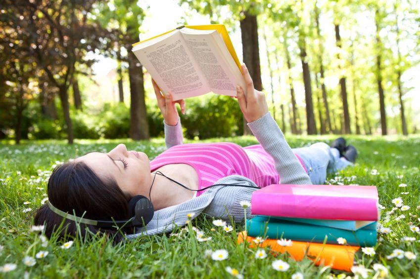 lezen en muziekluisteren