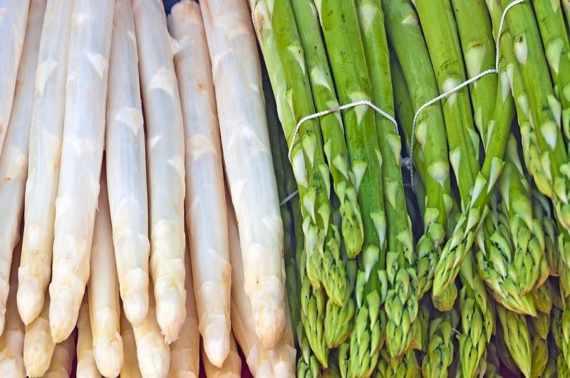 Witte-en-groene-asperges
