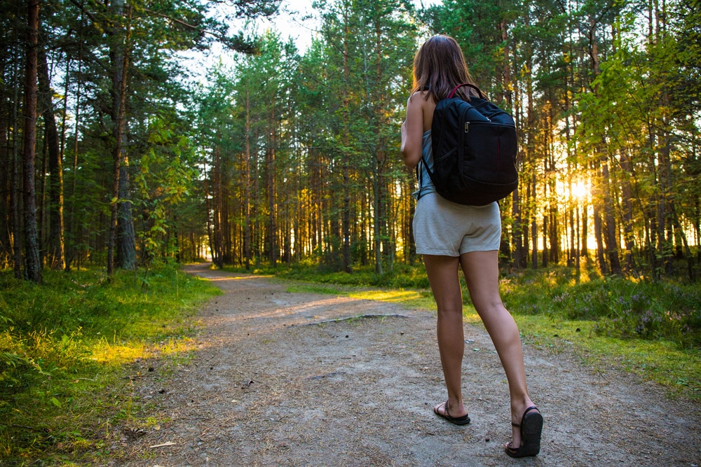 Hoe wandelen je kan helpen gewicht en buikvet te verliezen - Voeding en gezondheid - aHealthylife.nl