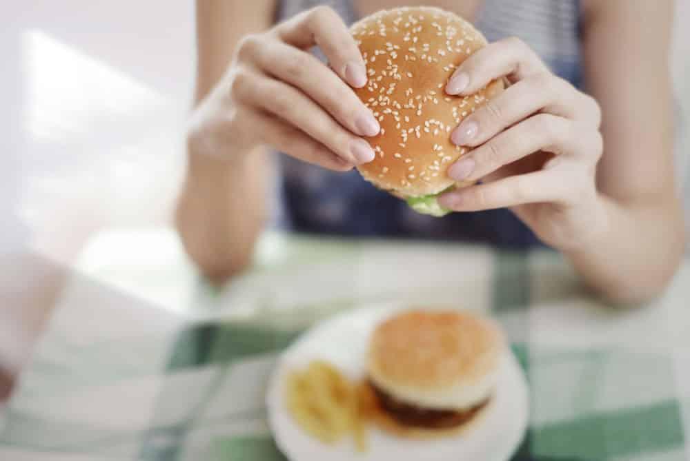 Hoe kan je van een eetverslaving als hamburgers en ander junkfood afkomen